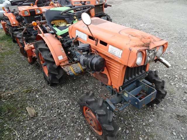 1977 KUBOTA TRACTOR B7000 ENGINE:Z650 | Japanese Used Cars